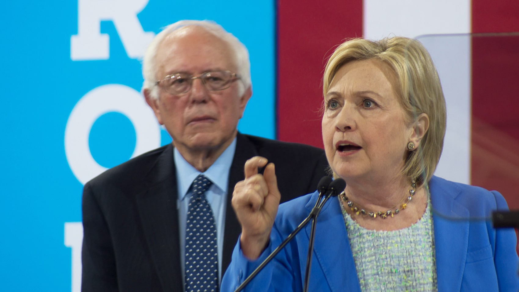 Toxic 2016 loser Hillary Clinton bashes Bernie Sanders: 'Nobody likes him'